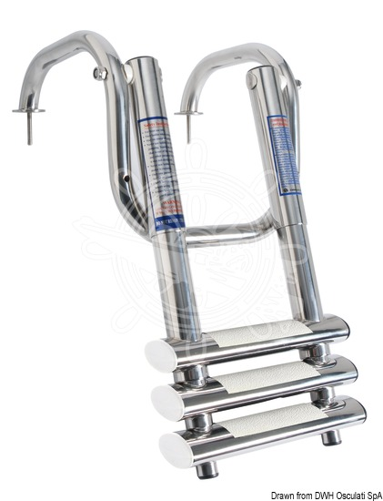 Very compact telescopic ladder with handles for gangplanks